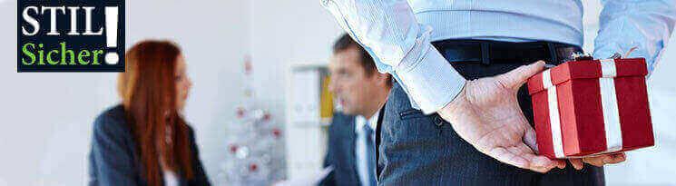 Beschenken Sie Ihre Mitarbeiter und Kunden - Qualitätswerbeartikel im Saalfrank Onlineshop